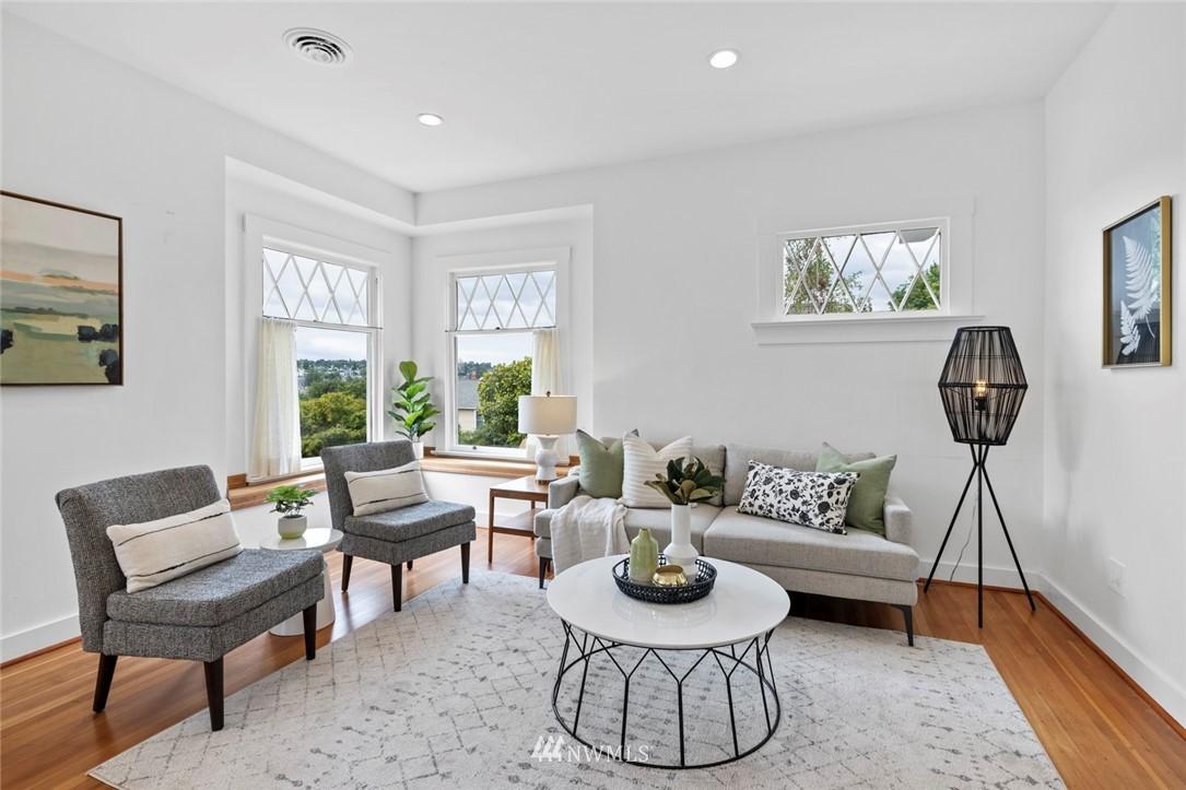Sold Property | 3117 E Pike Street Seattle, WA 98122 2