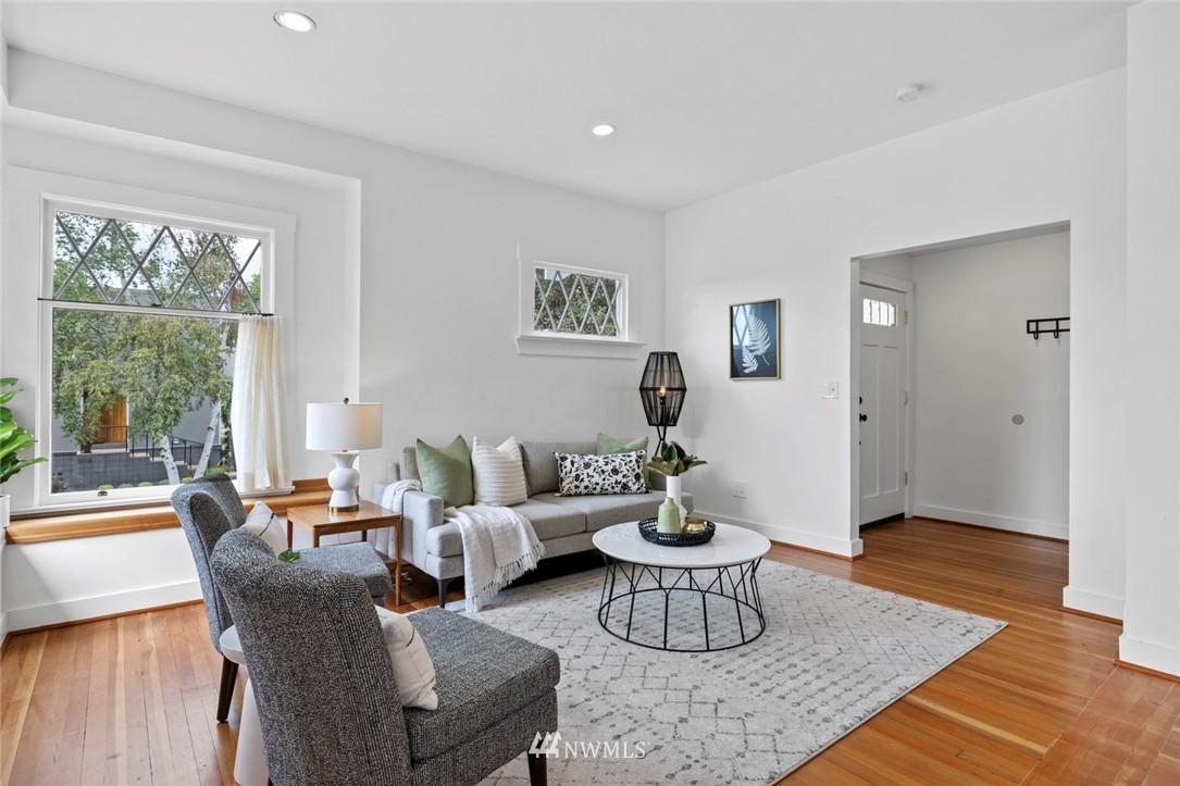 Sold Property | 3117 E Pike Street Seattle, WA 98122 3