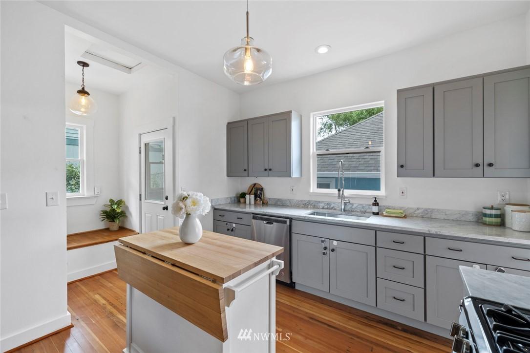 Sold Property | 3117 E Pike Street Seattle, WA 98122 8