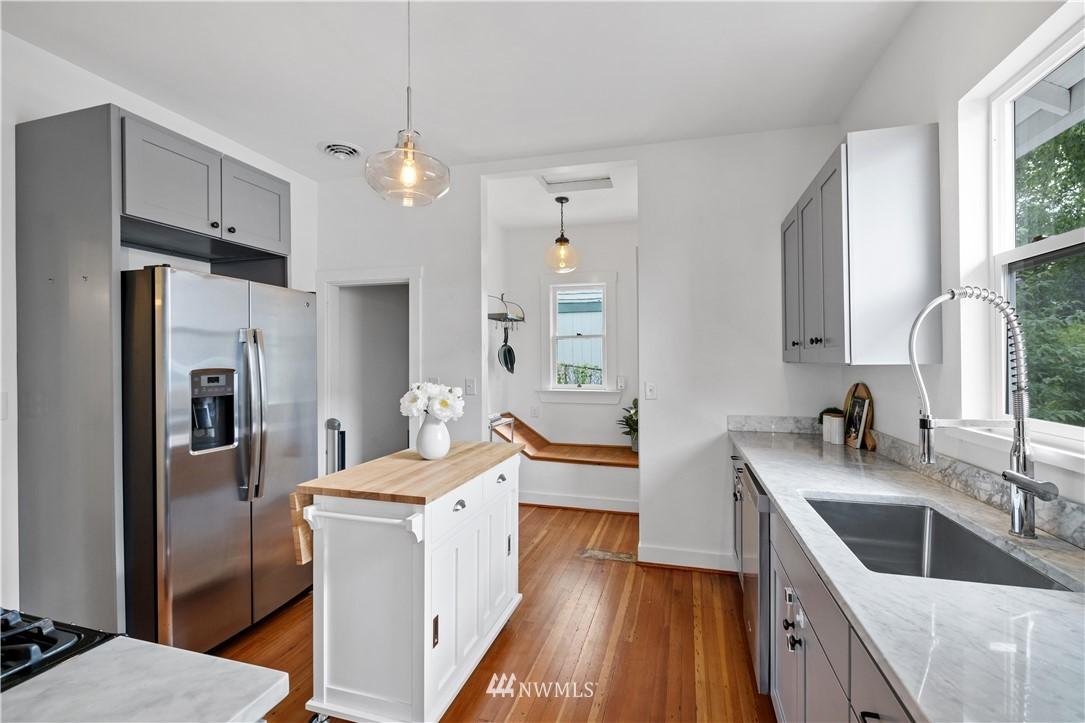 Sold Property | 3117 E Pike Street Seattle, WA 98122 9
