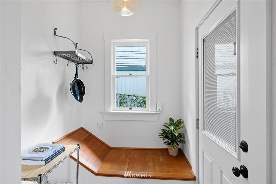 Sold Property | 3117 E Pike Street Seattle, WA 98122 10