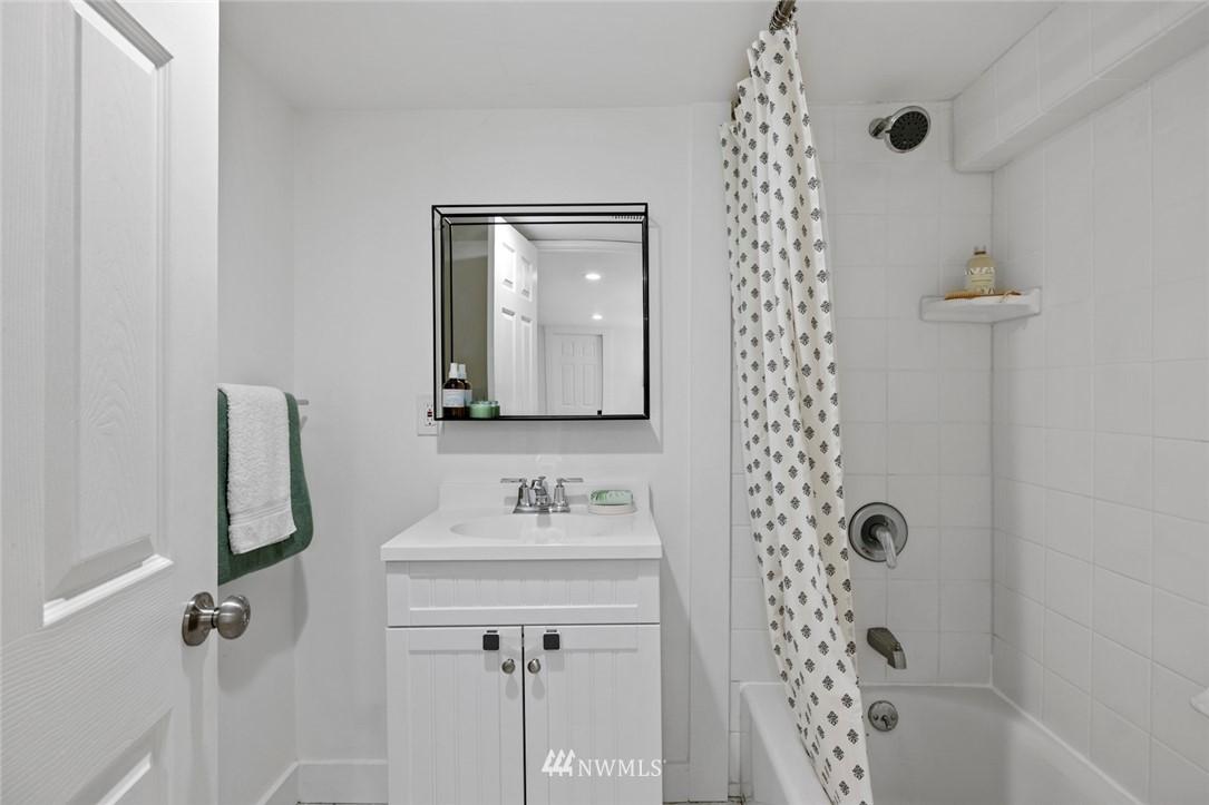 Sold Property | 3117 E Pike Street Seattle, WA 98122 17