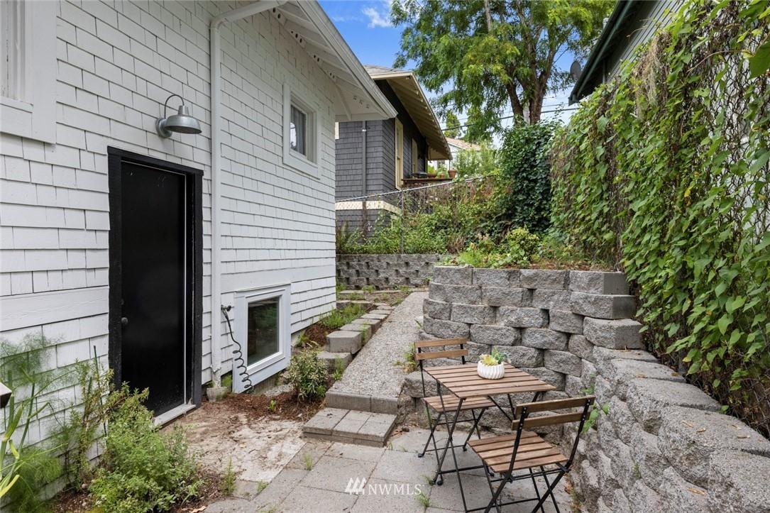 Sold Property | 3117 E Pike Street Seattle, WA 98122 24