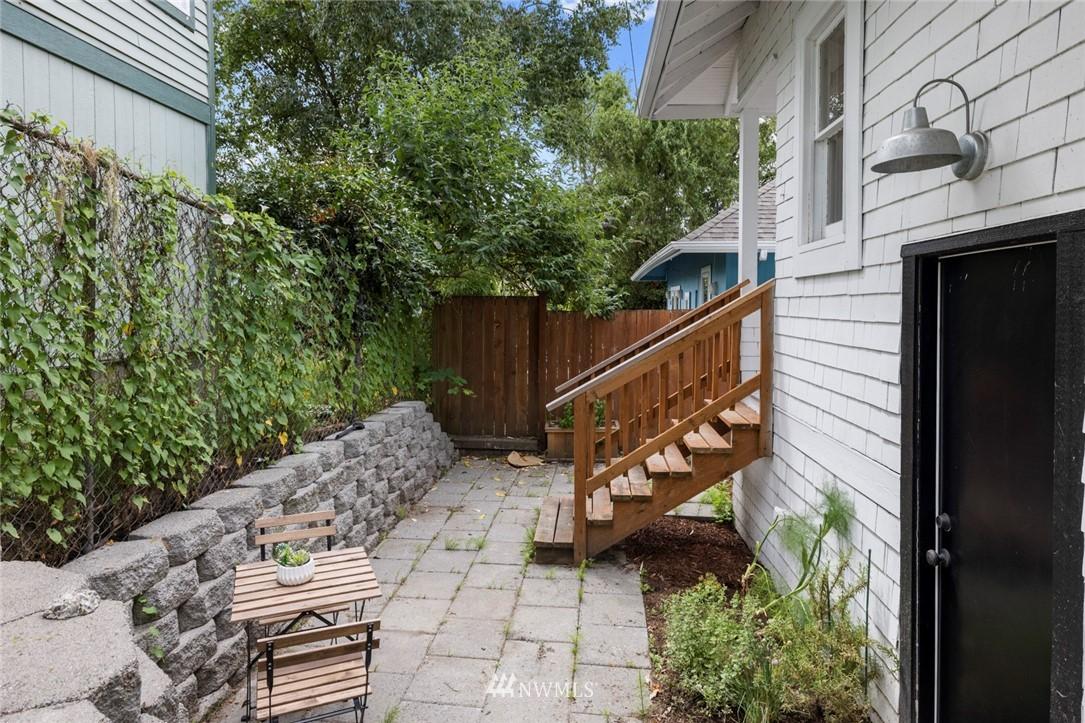 Sold Property | 3117 E Pike Street Seattle, WA 98122 27