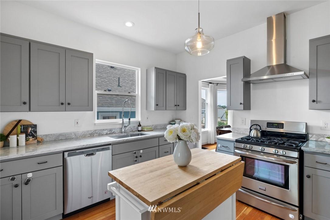 Sold Property | 3117 E Pike Street Seattle, WA 98122 31