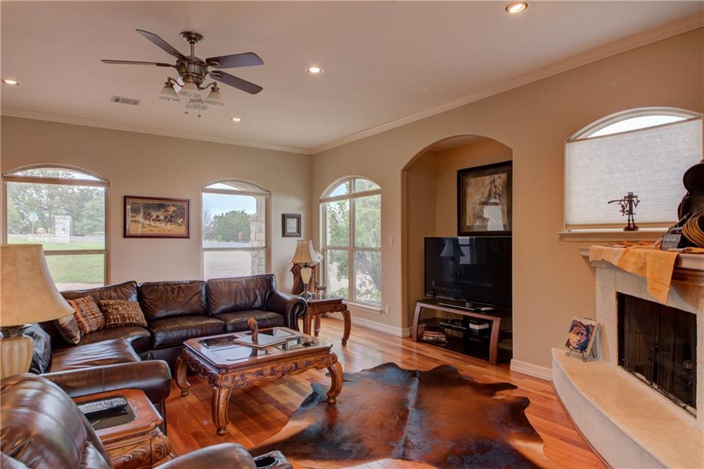 Active | 20600 Highland Lake Drive Lago Vista, TX 78645 6