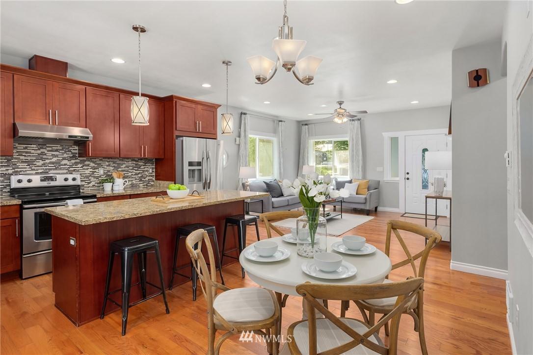 Sold Property | 19222 NE 12th Avenue Shoreline, WA 98155 8