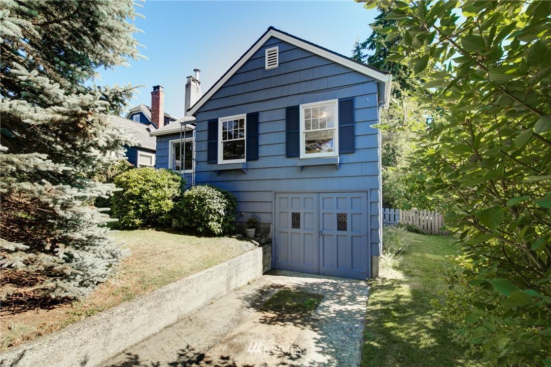 Sold Property | 825 NE 92nd Street Seattle, WA 98115 1