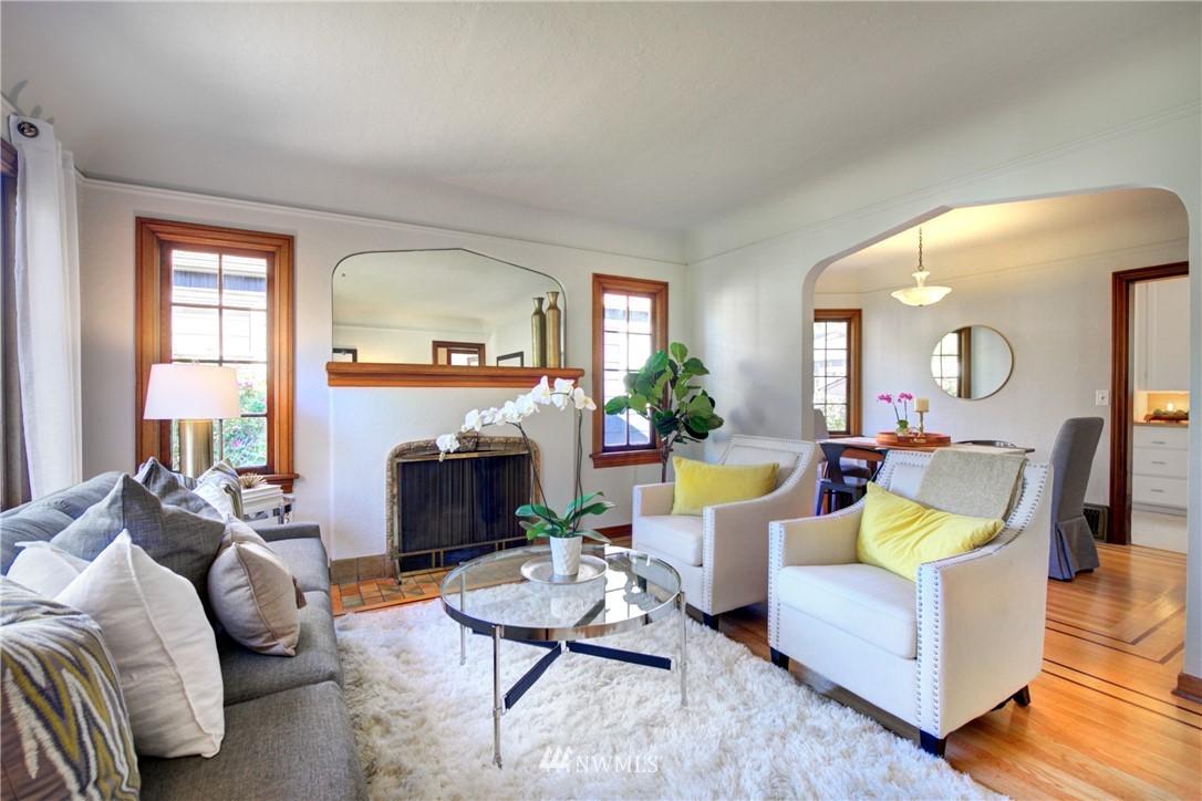 Sold Property | 825 NE 92nd Street Seattle, WA 98115 6