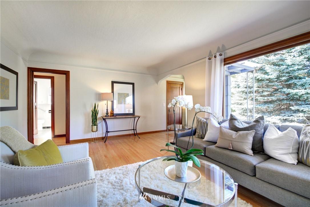 Sold Property | 825 NE 92nd Street Seattle, WA 98115 7