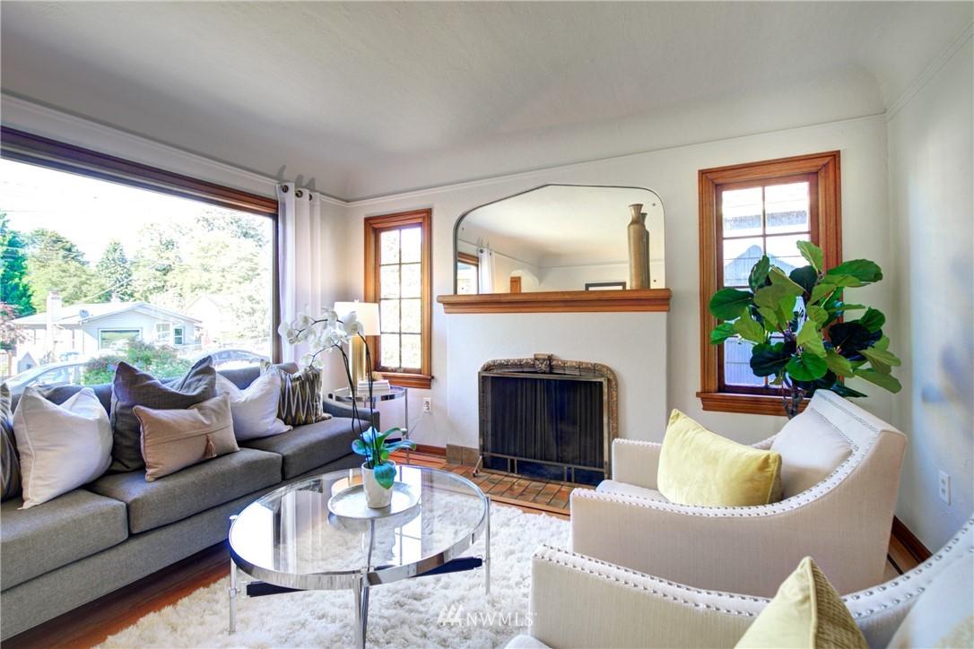 Sold Property | 825 NE 92nd Street Seattle, WA 98115 8