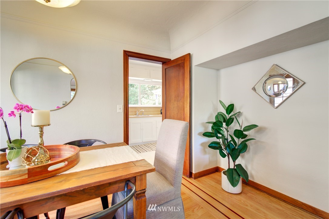 Sold Property | 825 NE 92nd Street Seattle, WA 98115 11