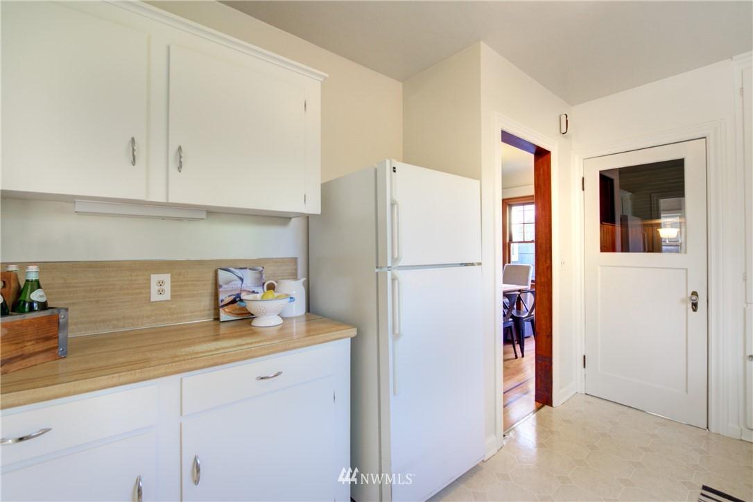 Sold Property | 825 NE 92nd Street Seattle, WA 98115 14