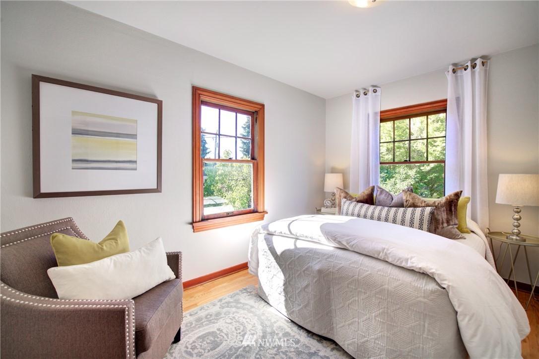 Sold Property | 825 NE 92nd Street Seattle, WA 98115 17
