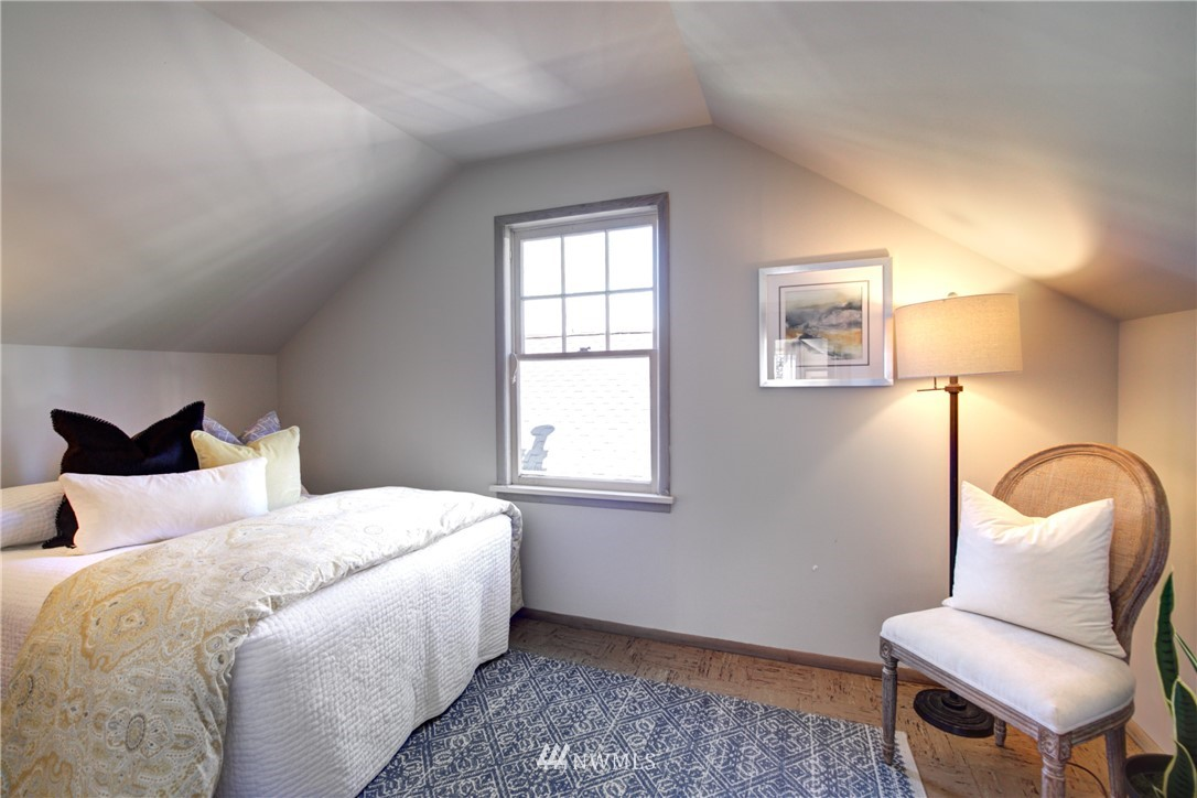 Sold Property | 825 NE 92nd Street Seattle, WA 98115 22