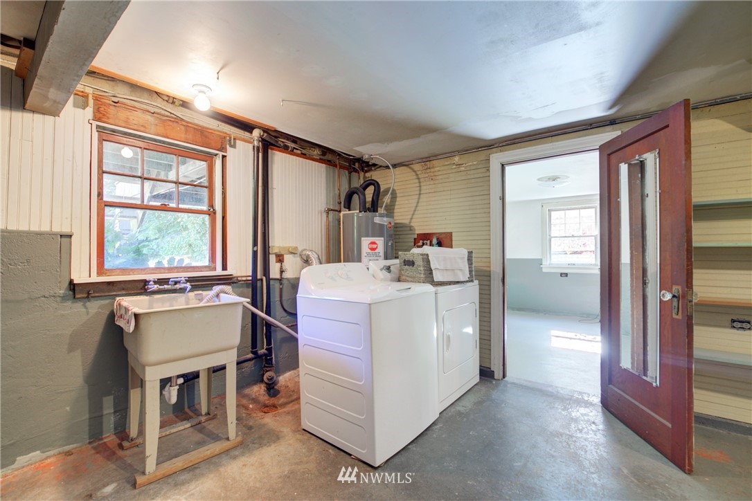 Sold Property | 825 NE 92nd Street Seattle, WA 98115 25