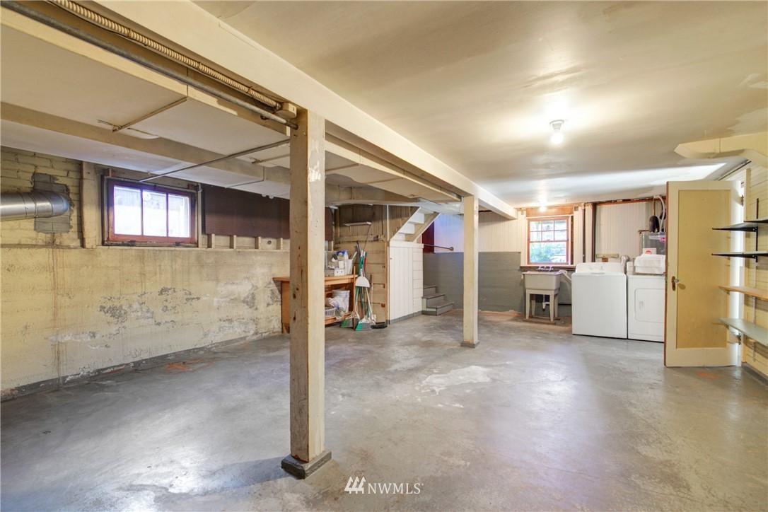 Sold Property | 825 NE 92nd Street Seattle, WA 98115 26