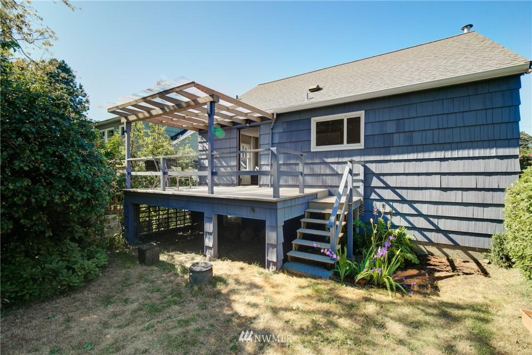Sold Property | 825 NE 92nd Street Seattle, WA 98115 27