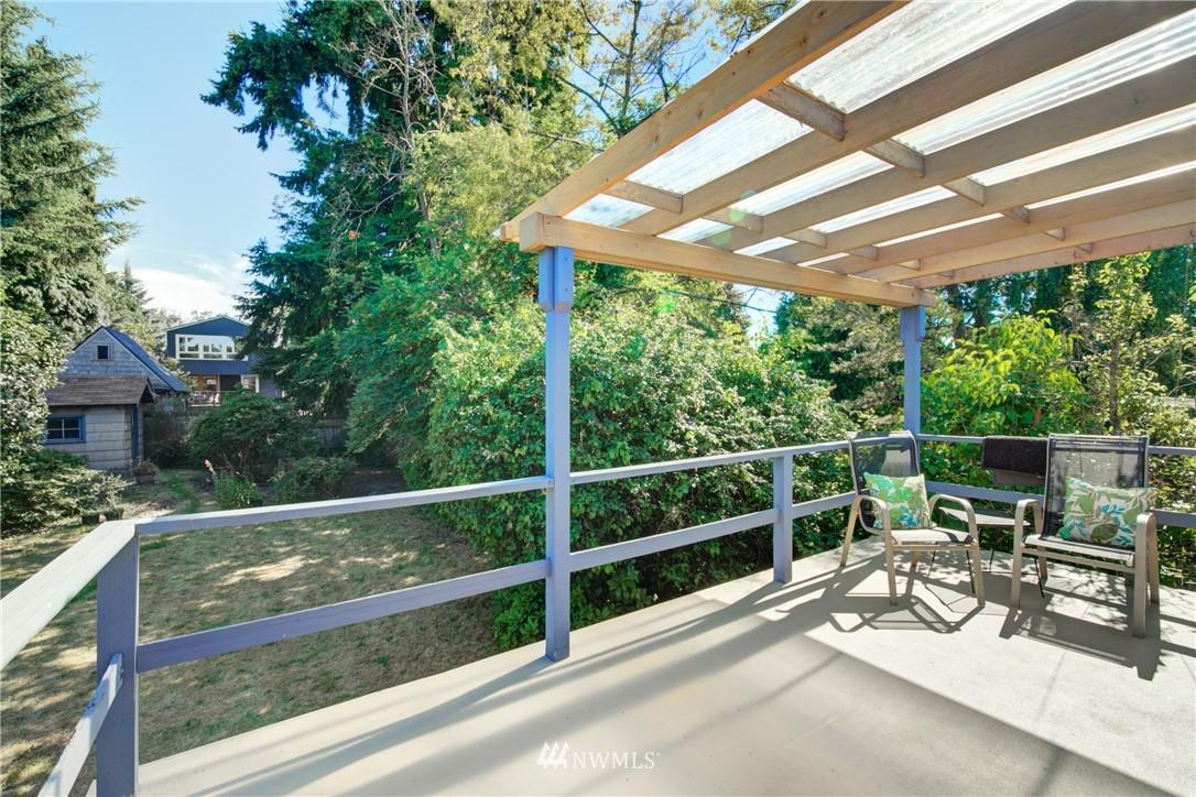 Sold Property | 825 NE 92nd Street Seattle, WA 98115 29