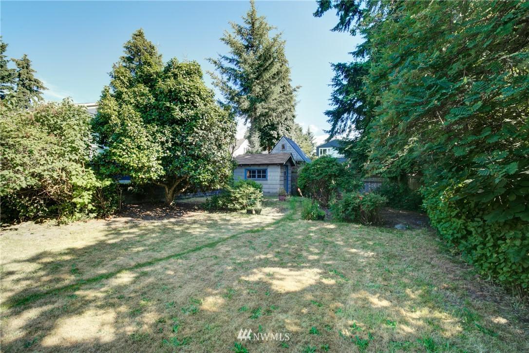 Sold Property | 825 NE 92nd Street Seattle, WA 98115 32