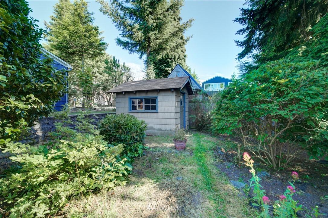 Sold Property | 825 NE 92nd Street Seattle, WA 98115 33