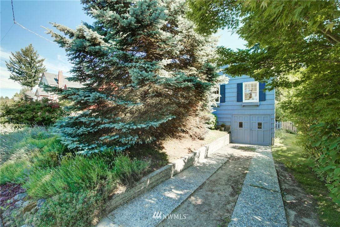 Sold Property | 825 NE 92nd Street Seattle, WA 98115 34