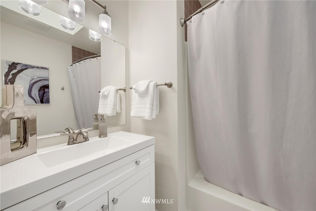 Sold Property | 738 N 161st #19 Shoreline, WA 98133 14