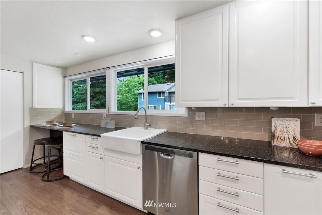 Sold Property | 738 N 161st #19 Shoreline, WA 98133 8