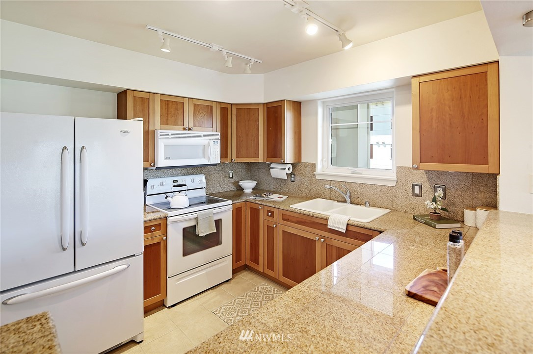 Sold Property | 1545 NW 57th Street #527 Seattle, WA 98107 4