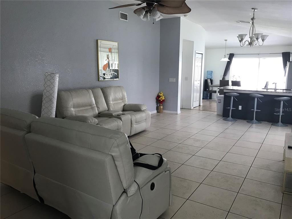 Pending | 11550 CRESTLAKE VILLAGE DRIVE RIVERVIEW, FL 33569 6