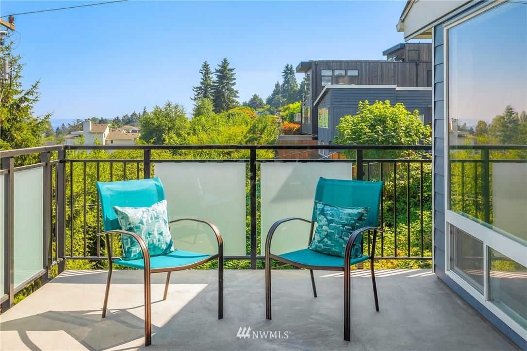 Sold Property | 2510 W Bertona Street #435 Seattle, WA 98199 8