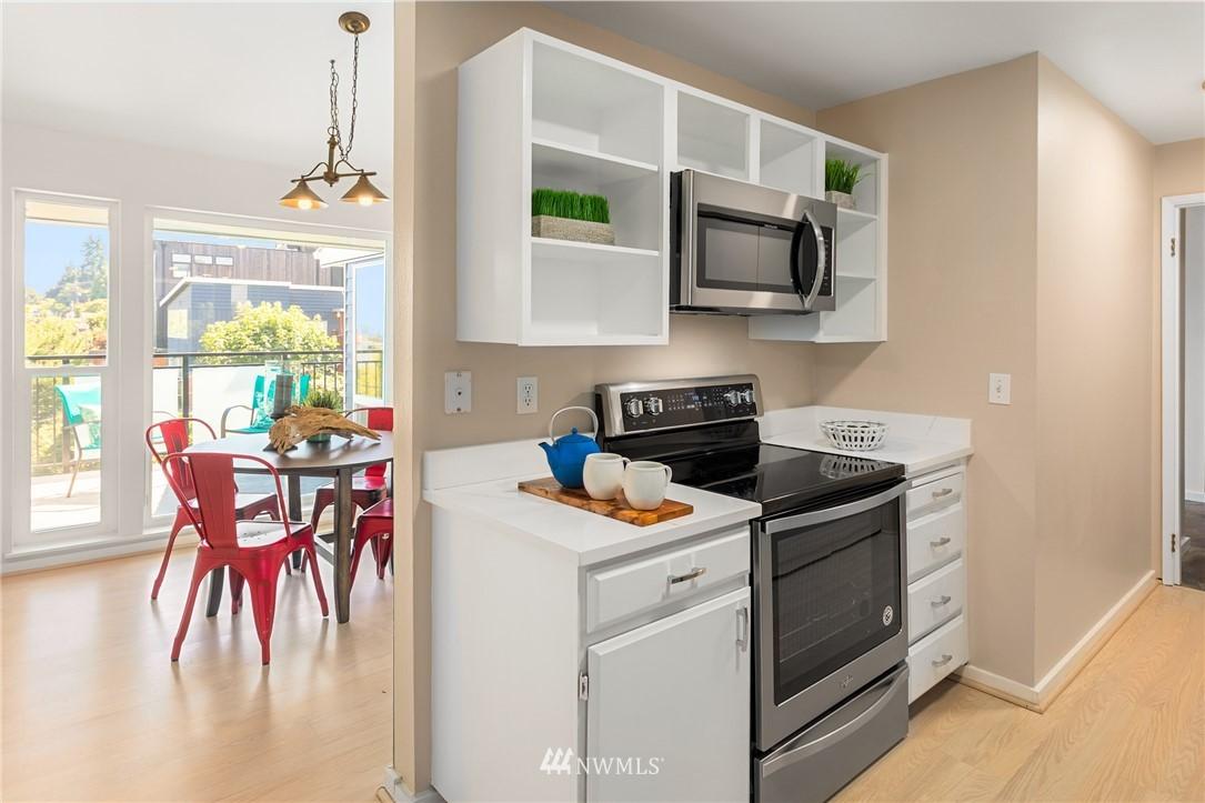 Sold Property | 2510 W Bertona Street #435 Seattle, WA 98199 10