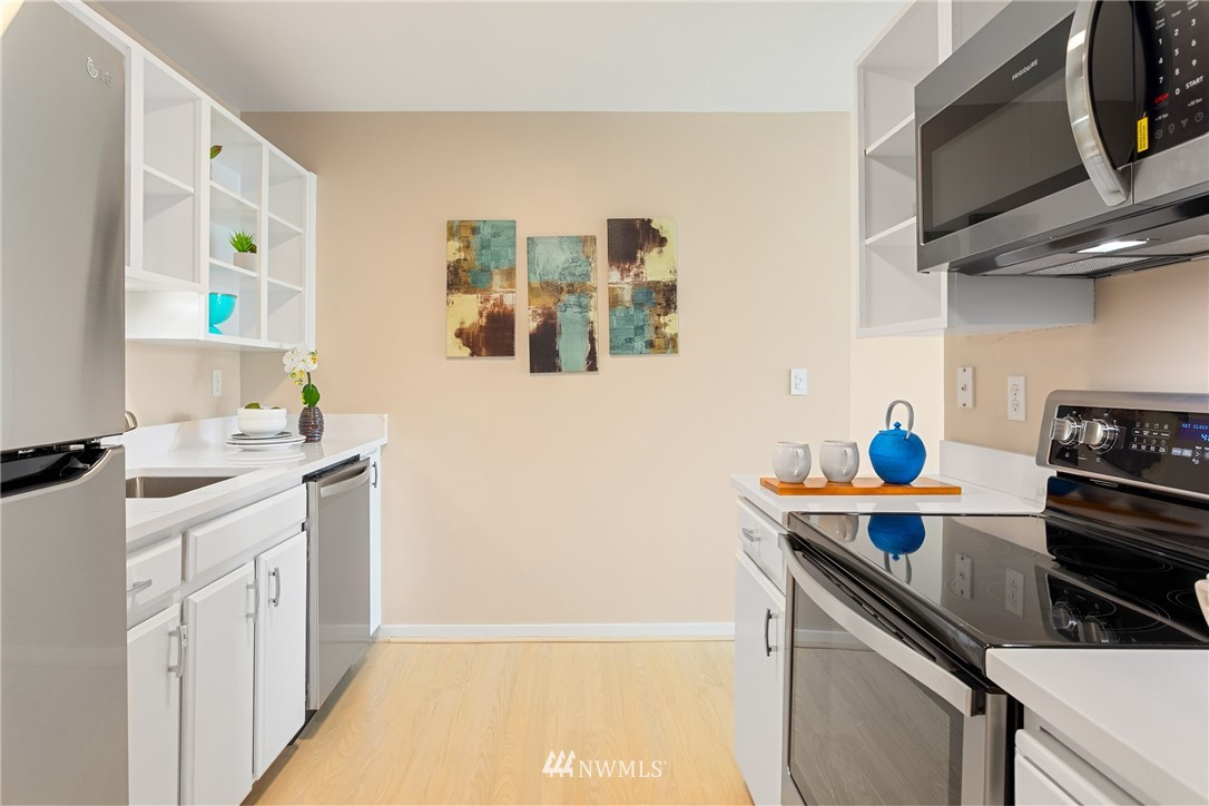 Sold Property | 2510 W Bertona Street #435 Seattle, WA 98199 13