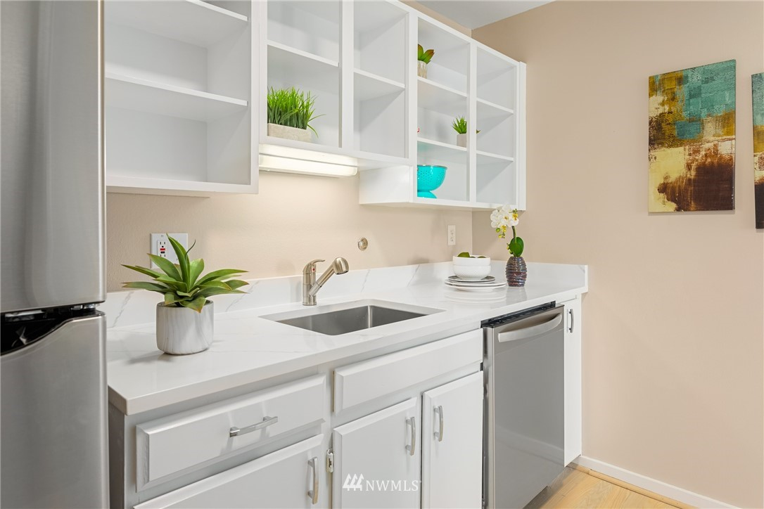 Sold Property | 2510 W Bertona Street #435 Seattle, WA 98199 14