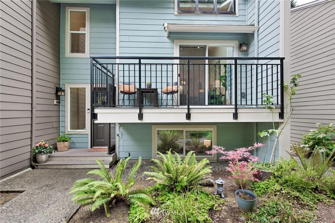 Sold Property | 738 N 161st #19 Shoreline, WA 98133 1