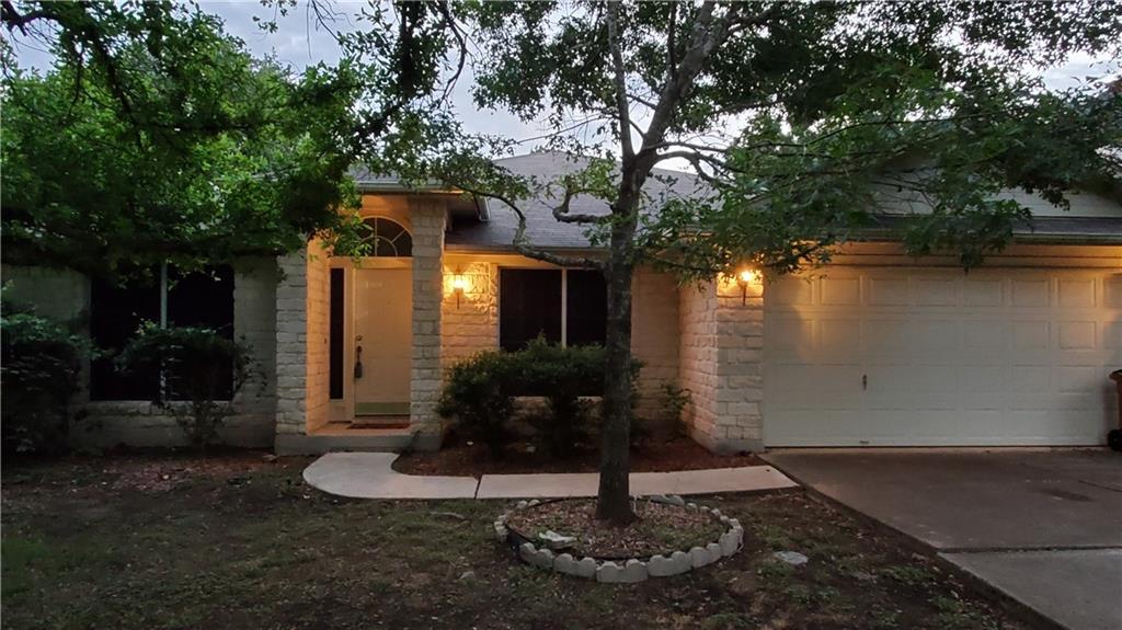 Pending   3301 Silkgrass Bend Austin, TX 78748 2