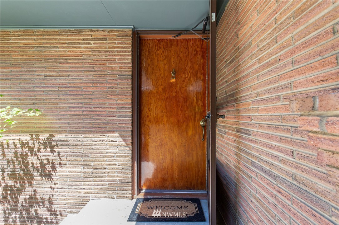 Sold Property | 17122 25th Avenue NE Lake Forest Park, WA 98155 3