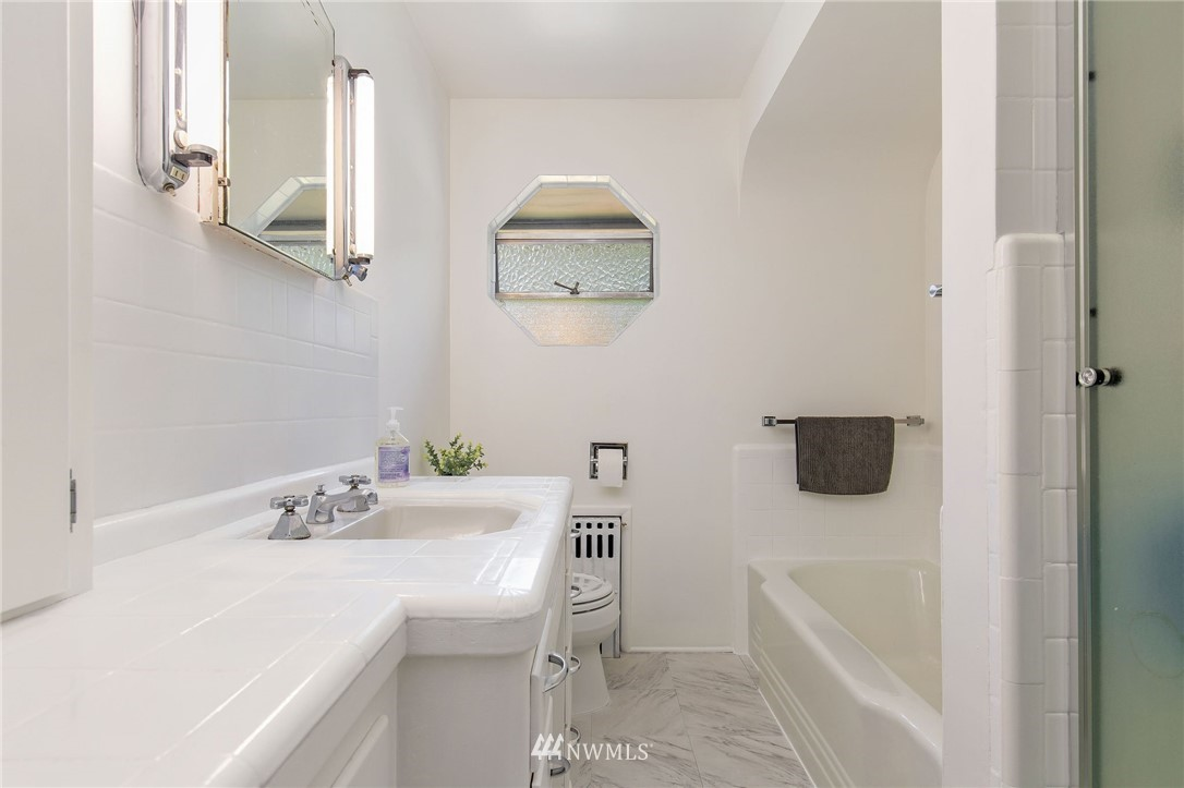 Sold Property | 17122 25th Avenue NE Lake Forest Park, WA 98155 14