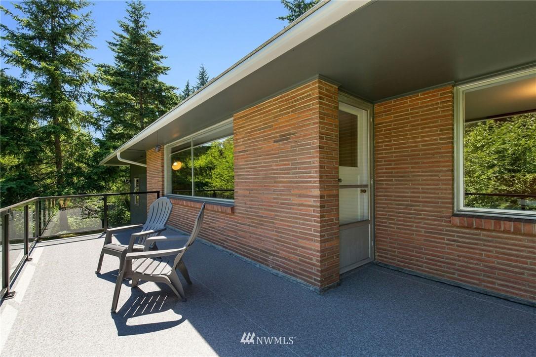 Sold Property | 17122 25th Avenue NE Lake Forest Park, WA 98155 21