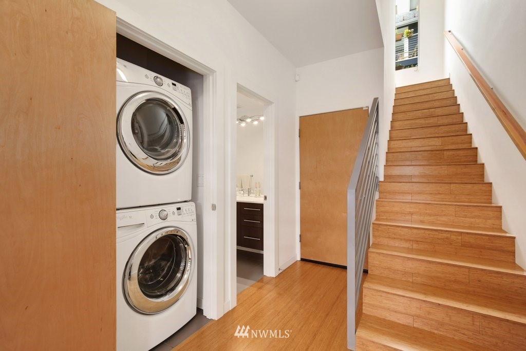 Sold Property | 2112 E James Street Seattle, WA 98122 24