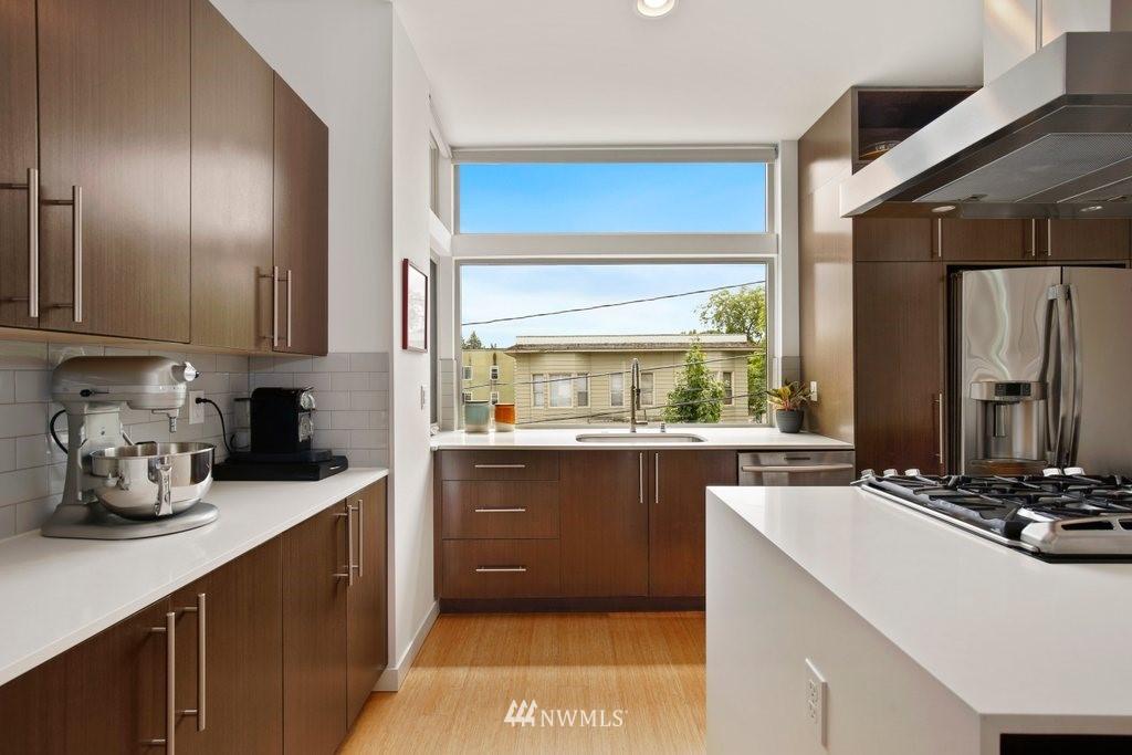 Sold Property | 2112 E James Street Seattle, WA 98122 7