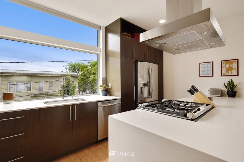 Sold Property | 2112 E James Street Seattle, WA 98122 8