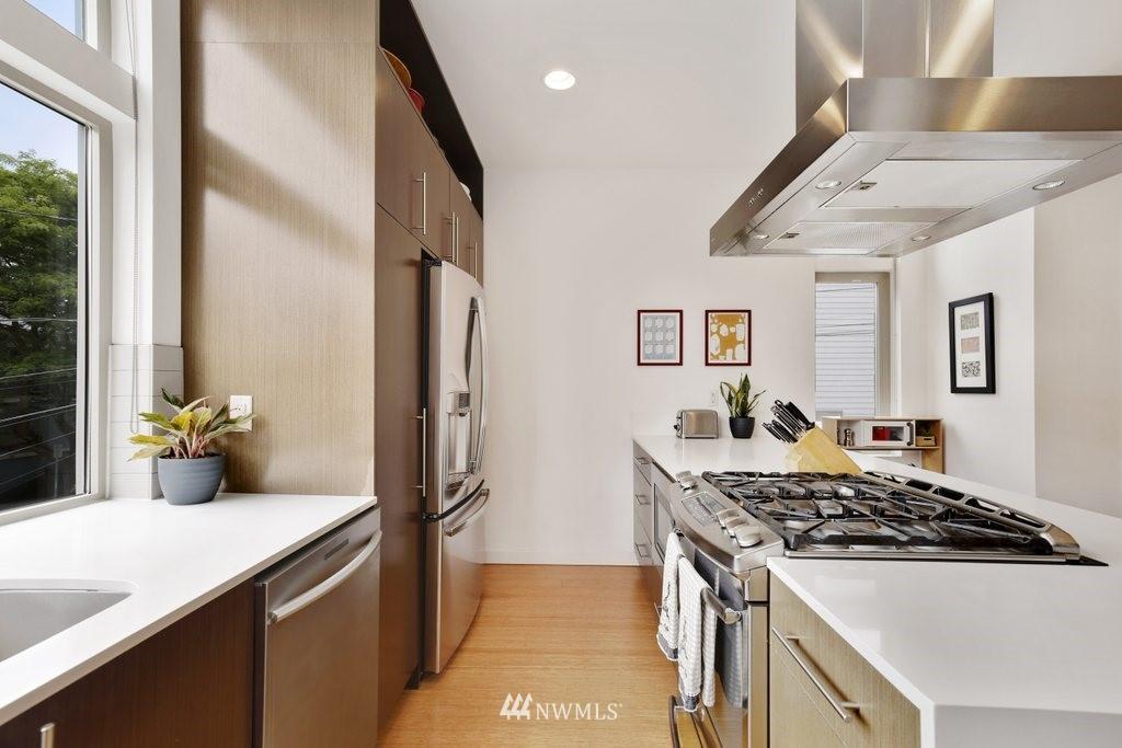 Sold Property | 2112 E James Street Seattle, WA 98122 9
