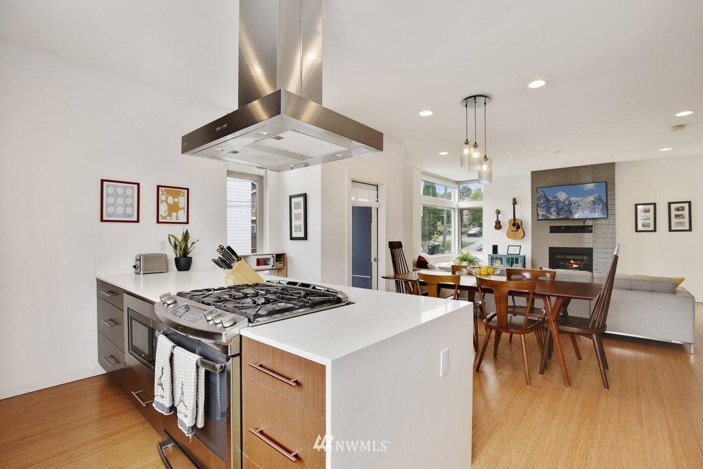 Sold Property | 2112 E James Street Seattle, WA 98122 10