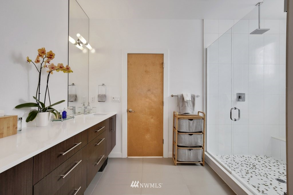 Sold Property | 2112 E James Street Seattle, WA 98122 17