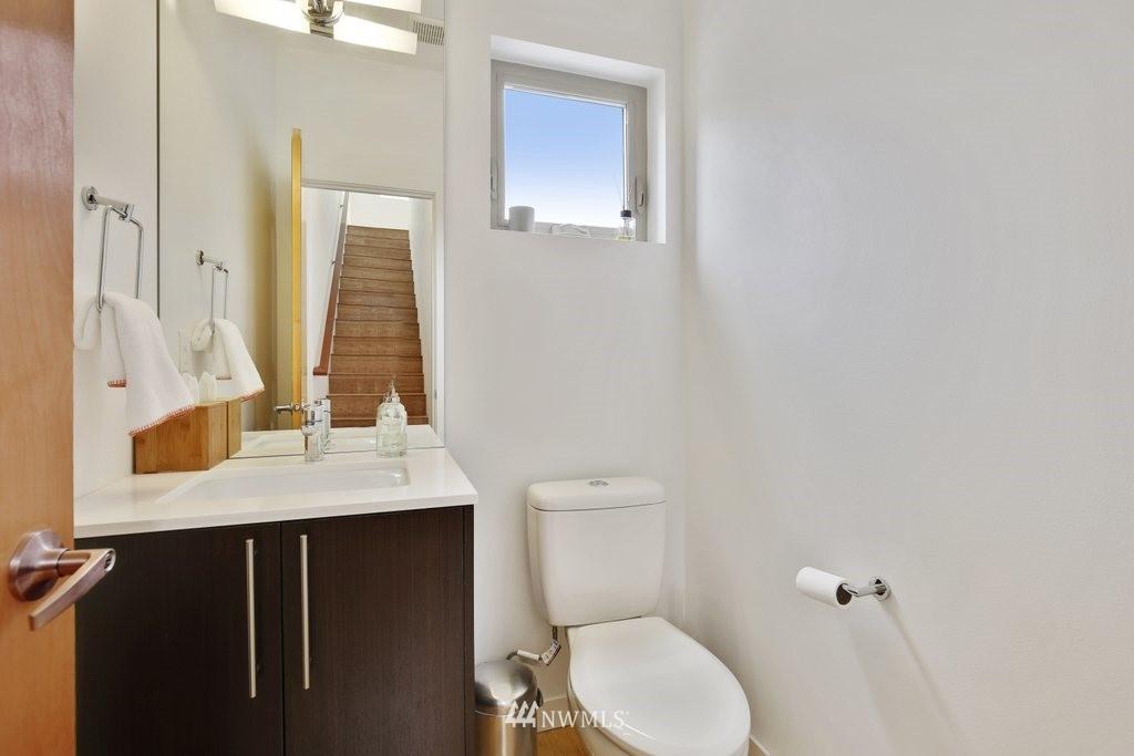 Sold Property | 2112 E James Street Seattle, WA 98122 14