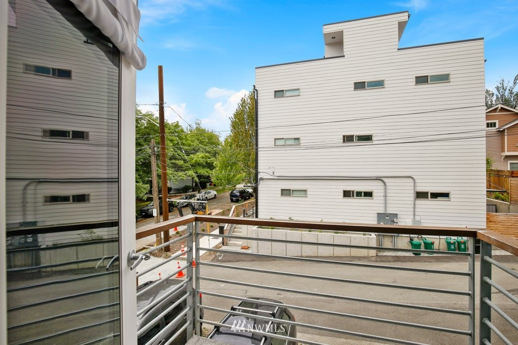 Sold Property | 2112 E James Street Seattle, WA 98122 13