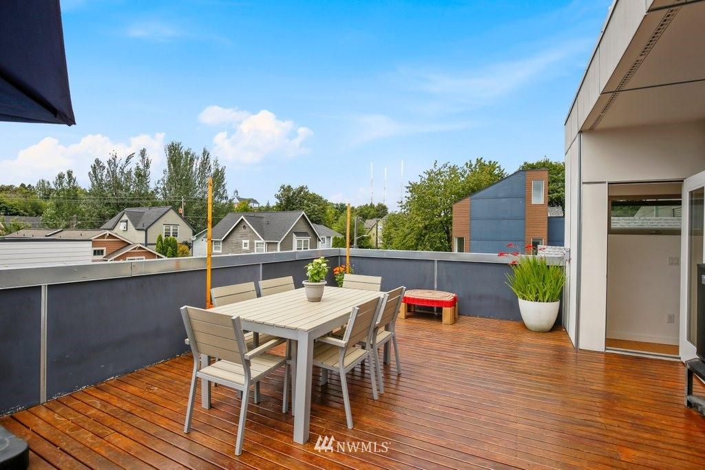 Sold Property | 2112 E James Street Seattle, WA 98122 30