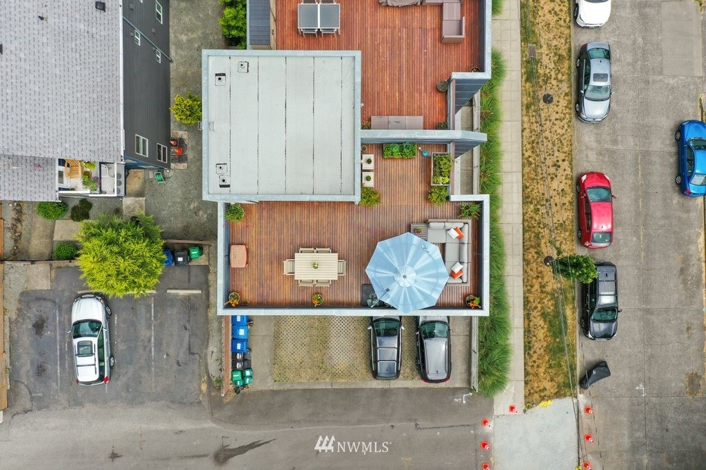 Sold Property | 2112 E James Street Seattle, WA 98122 31