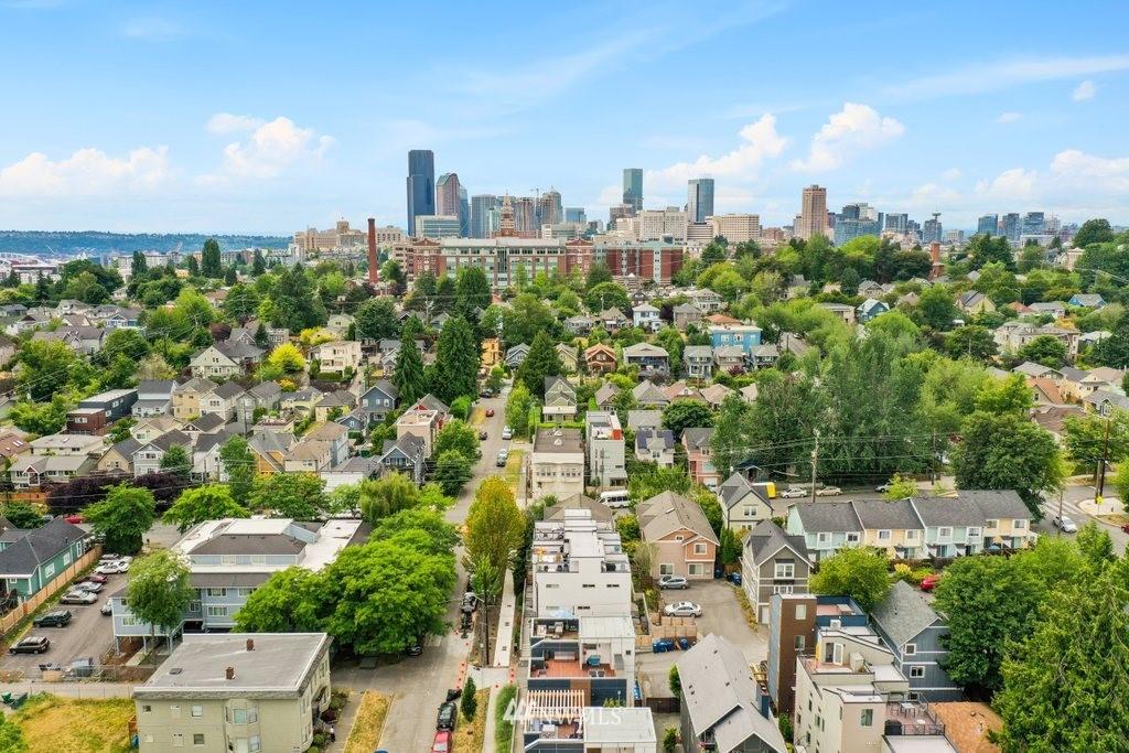 Sold Property | 2112 E James Street Seattle, WA 98122 32
